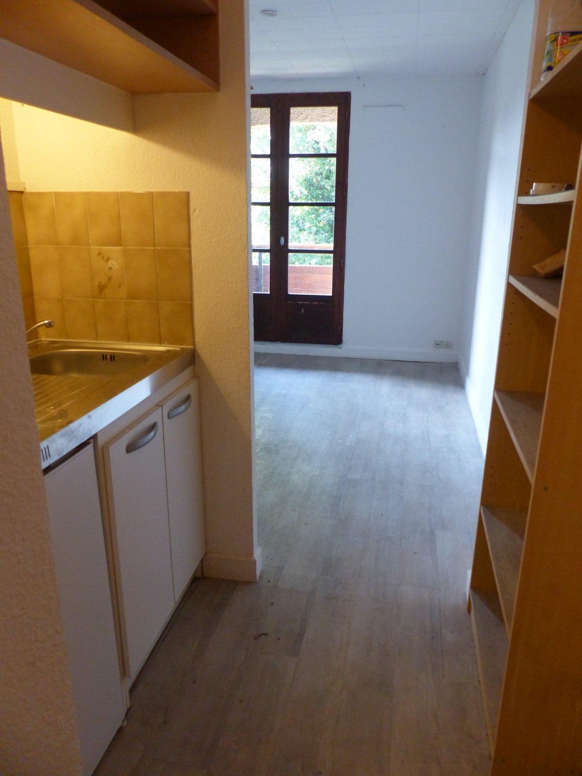 Appartement à revel    50 000 €